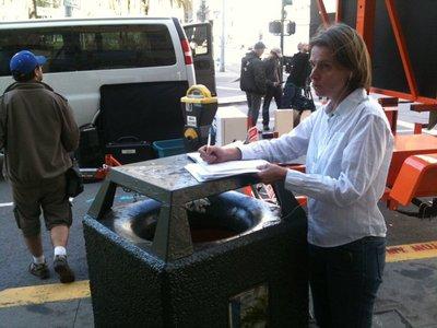 Scène de tournage sur Union Square à San Francisco en 2011 -- Cliquez pour voir l'image en entier