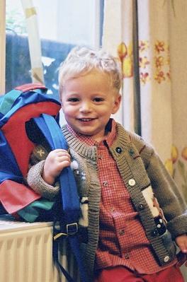 Emmanuel le premier jour de maternelle -- Cliquez pour voir l'image en entier